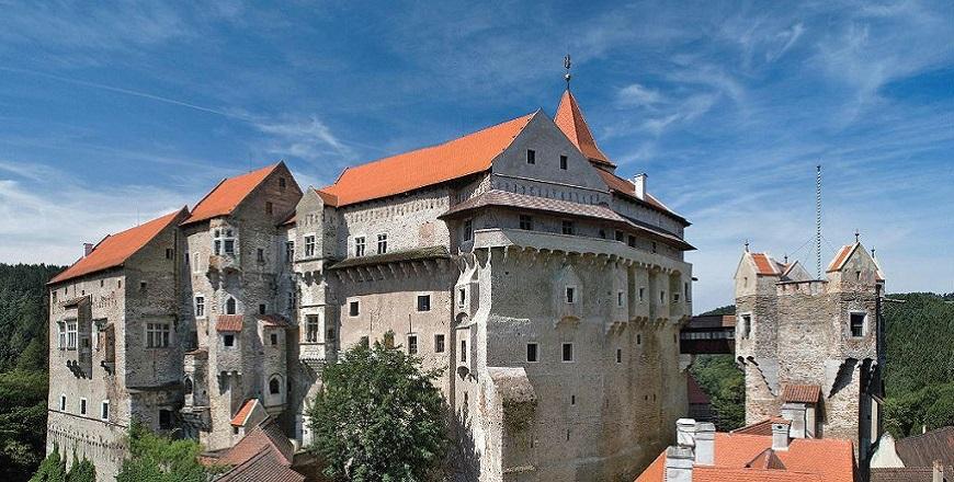 Замок Пернштейн / Pernstejn