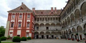 Замок Опочно (Opočno).