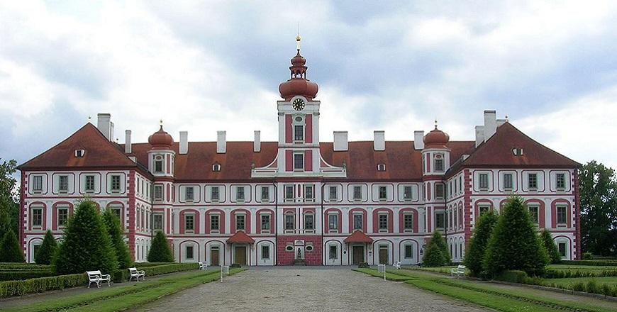 Замок Мнихово Градиште (Mnichovo Hradiste).
