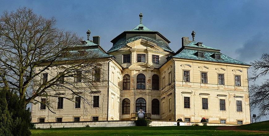 Замок Карлова Коруна (Karlova Koruna)