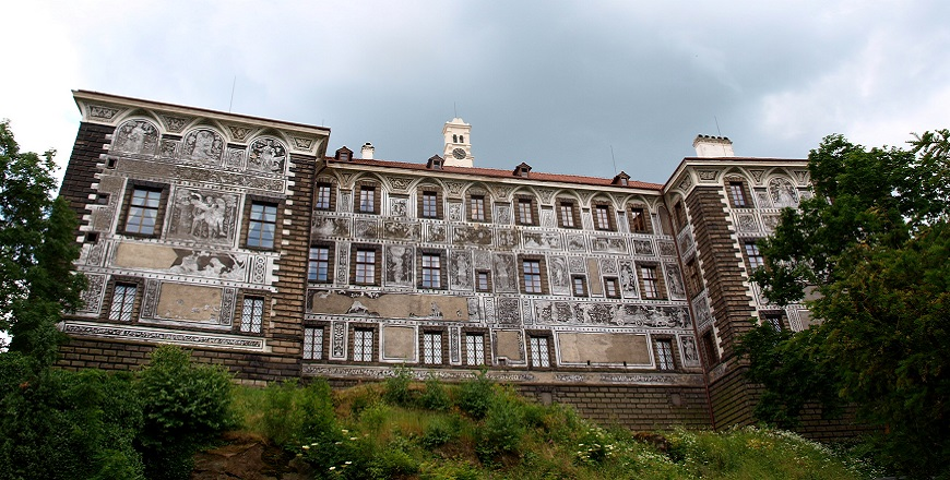 Замок Нелагозевес (Nelahozeves).