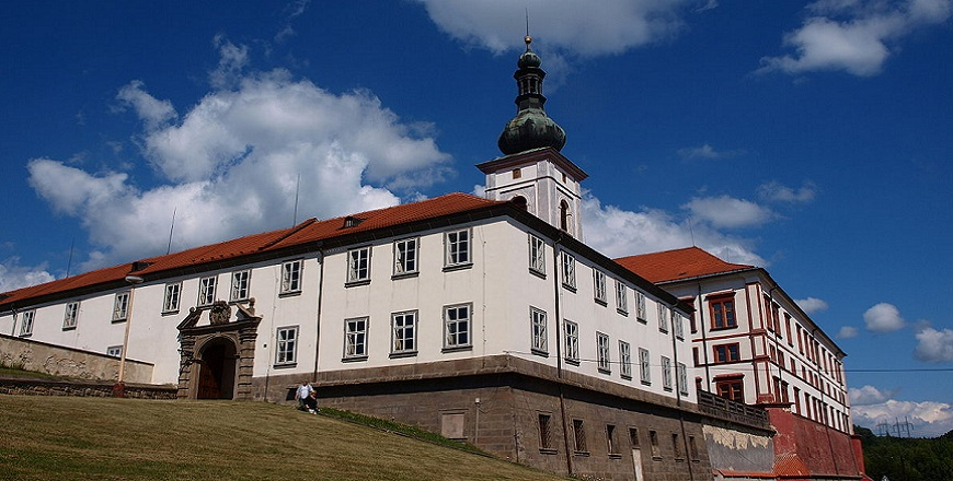 Замок Закупы