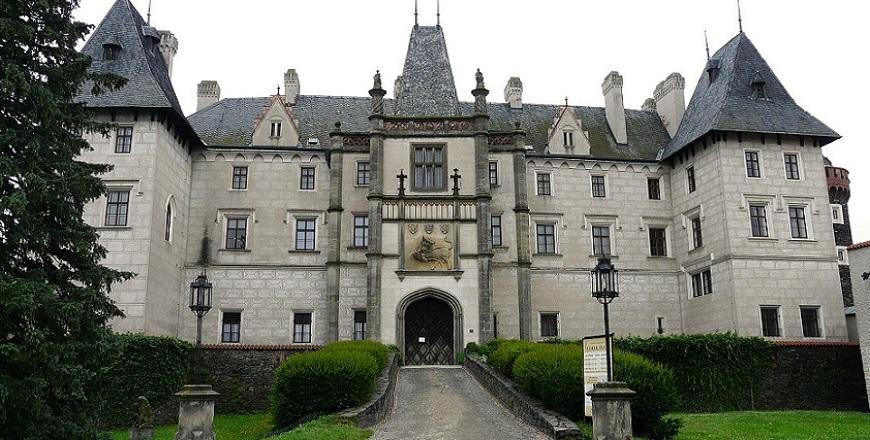 Замок Жлебы (Zleby)